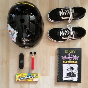 Vans Old Skool classic low-top black skate shoes